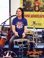 Sylvain-Henri lors de la tournée 2011 au Nord de l'Alberta