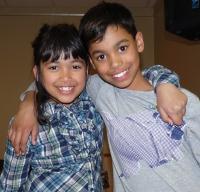 Chaya & Sebastian chanteurs vedettes du TOME-01
